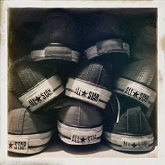 ALLSTAR (utahca) Tags: monochrome shoes converse allstar shoesbox hipstamatic janelens uchitel20film