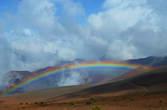 Inside Haleakala (HI), 1 (Pedro M. Gmez) Tags: rainbow maui haleakala hawaiirainbows mauirainbows haleakalarainbow