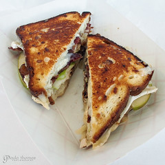 We Brie Jammin Grilled Cheese (gapey) Tags: olympus 12mm brie grilledcheese omd redmondtowncenter rtc foodtruck em5 rtccampuseats theulitimatemelt
