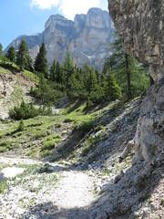 IMG_9451 (Bike and hiker) Tags: santa val alpen roda dolomites moos dolomiti badia croce dolomiten armentara dolomieten gadertal kreuzkofel darmentara alpenwiesen