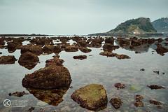 Bajamar/Low tide (JCarlos.) Tags: donostia bajamar tide longexposure largaexposición marron mar sea rocks rocas