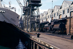 img130_Cape Town (Bingley Hall) Tags: transport train transportation trainspotting rail railway railroad locomotive engine steam southafrica capetown docks wharf 080 s2 ship crane sar krupp pongola