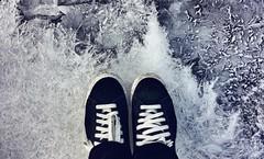 (Cristina Birri) Tags: scarpe shoes freddo ghiaccio acqua ice winter inverno forni di sopra fornidisopra udine friuli