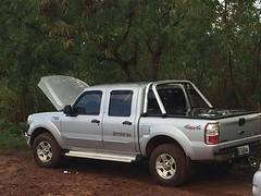 Pescador encontra caminhonete de mulher que sumiu em Córrego Danta, MG (portalminas) Tags: pescador encontra caminhonete de mulher que sumiu em córrego danta mg
