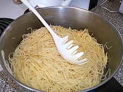 Spaghetti Noodles In A Pan. (dccradio) Tags: ny newyork adirondacks upstateny noodles pan spaghetti duane northernny