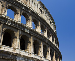 colosseo (luca bradipo) Tags: city italy rome roma town italia monumento tourist colosseum romano turismo statua monumenti viaggio lazio citta colosseo anfiteatro turista particolari facciata viaggiare girare