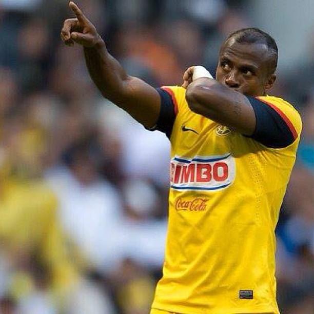 """No puede ser!!! Despertar y escuchar q se nos fue Christian """"Chucho"""" Benítez cuando hace unos meses nos dio una inmensa alegría.. Es increíble :( #qepd #chucho #ecuador #America #campeon"""
