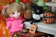 Halloween Shopping with Summer! (assamcat) Tags: summer halloween fairyland ante lettie violetpie pukifee