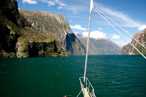 sea newzealand sky mountains water clouds boat ship scene nz southisland fjord milfordsound lanscape mitrepeak fiordlandnationalpark southwestnewzealandworldheritagearea milfordmarner milfordsoundnaturecruise
