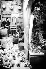 (Daniel Ivn) Tags: poverty street portrait urban blackandwhite blancoynegro mxico portraits mexico blackwhite calle market retrato candid streetphotography streetportrait mercado mexique urbano valledebravo indigenous streetmarket pobreza indgena tianguis blackwhitephotography blackwhitephoto blackwhitephotos fotografadecalle fotografablancoynegro retratodecalle