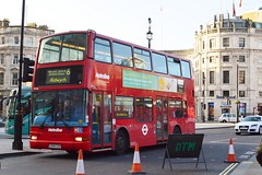 Metroline (PD3.) Tags: uk england bus london buses station train square volvo coach sightseeing trafalgar seeing sight psv pcv lk04 cuu metroline plaxton lk04cuu