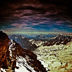 Zugspitze (blende74.de) Tags: show blue schnee light sky snow mountains alps nature clouds canon germany bayern deutschland bavaria eos michael interesting europa europe view pics top natur himmel wolken peak retro berge explore most mm alpen blau aussicht dslr amateur proce