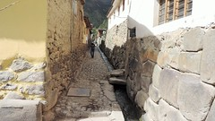 Water ways in town (Gabriele B) Tags: mountains green peru inca cuzco ruins cusco tourist andes attraction gully ollantaytambo 2014