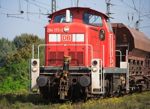 07.09.2005 Duisburg Abz Ruhrtal. DB 294 173 Schotterzug Abz Lotharstrasse