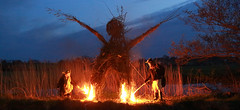 JT (jerry tye) Tags: fire burningman locks wicker beltane wickerman geldeston geldestonlocks