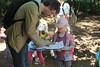 Stempeln für Stationen (Greenpeace Oldenburg) Tags: greenpeace oldenburg wildenloh kinderferienpass