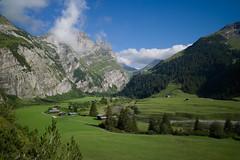 The Bargis mountain valley (Toni_V) Tags: nature landscape schweiz switzerland dof suisse hiking 28mm rangefinder svizzera unescoworldheritage flims wanderung m9 graubnden grisons unescowelterbe svizra 2013 grischun elmaritm messsucher toniv 130810 leicam9 tektonikarenasardona bargiscassonsgratsegnesbodenflims 6h30min hochebenebargis auadamulins l1013549 scalamola