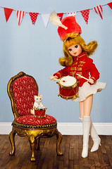 Pa rum pum pum pum (Hurry Up Miss Jane) Tags: christmas girl cat vintage miniature little drum carol drummer majorette rement diorama yukkochan