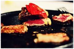 Un tentempi (Miguel Puerta) Tags: travel espaa food spain beef comida asturias meat viajes carne oviedo ternera solomillo 2013 mpuerta