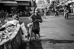 Untitled (Reggie J Photography) Tags: portrait people blackandwhite white black photography streetphotography vietnam rubbish waste saigon hochiminhcity reggie collector blackandwhitephotography garbageman schwarzundweis strasenfotografie reggiej reggiejormungandr reggiejphotoscom