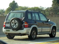 Suzuki V6 Grand Vitara (Photo Nut 2011) Tags: california freeway suzuki v6 grandvitara