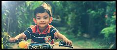 Shanuka Heshan © 2014 (ShanukaHeshan) Tags: smiling children cuteness srilankan childrenplaying childrenphotography
