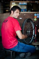Carlos Magno - Bicicletaria Coelho (Tovinho Regis) Tags: brazil people brasil work cotidiano bahia trabalho povo quotidiano remanso carlosmagno remansobahia