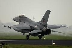 EHLW Frisian Flag F-16AM 15102 301/201 Sqn (Goldenflyer) Tags: portugal general jet landing f16 falcon af fighting airforce runway dynamics goud corn f16am goldenflyer