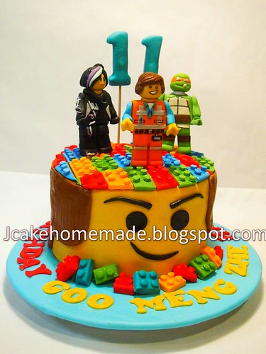 Phenomenal The Lego Movie Birthday Cake A Photo On Flickriver Funny Birthday Cards Online Kookostrdamsfinfo