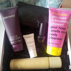 #glossyboxmai #glossybox #anatomicals #lalique #payot #smink #toni&guy  Glossy Box tests et avis sur la box (passionthe) Tags: test paris les french la commerce box femme glossy beaut gift instant sa bonne discovery plaisir hommes femmes avis cadeau coffret choisir toutes glossybox cosmetique echantillons