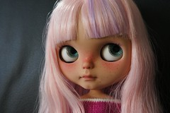 Gah ! I adore this new girl and her name is Bulle