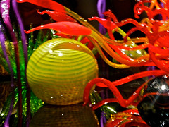 10--Chihuly exhibit (hpwiggy) Tags: glassworks dalechihuly seattlecenter seattlewashington chihulygardenandglass