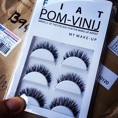 ขนตาปลอม #fiat #pomvinij สั่งมาเผื่อติดออกงานสวยๆ 555 บะใจ่ละ  ( ของน้องสาว @aquariuseve ) @pom_vinij