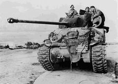 Firefly crew(British 17 pounder) (DREADNOUGHT2003) Tags: wwii shermantanks bliztkreig armouredwarfare