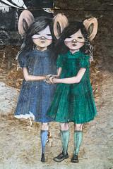 La Rochelle - Stencil graffiti (Diaph'2.8) Tags: streetart france girl wall mouse graffiti dress robe twin larochelle mur souris fille masque stencilgraffiti efs1755mmf28isusm canoneos7d