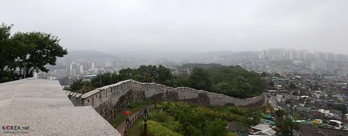 Korea_Seoul_Fortress_20130924_13