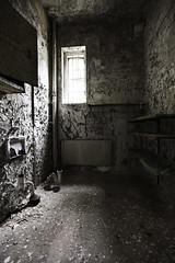 Bathroom (Jotuntroll Photography) Tags: old building window zeiss hospital bathroom pipes radiator ze ue lier mental 18mm urbex distagon f35 carlzeiss shelfs canoneos5dmarkii canon5dmarkii firelocker