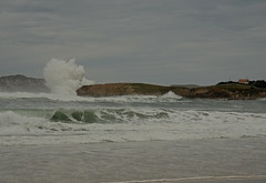 DSC_3971 copia (Cazador de imágenes) Tags: autumn sea españa mar spain nikon otoño ola spanien cantabria spagna spanje spania suances spange 2013 d7000