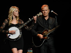 Glen Campbell and Daughter (Sarah Constancia Photography) Tags: glen campbell singing song country guitar florida jacksonville musician banjo