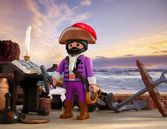 Chevalier Francois de Hadoque (Playmadoque) Tags: playmobil ship pirate royalnavy ghost flyingdutchmann admiral captain tintin herge licorne haddock hadoque comic unicorn geobra