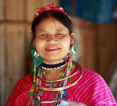 0S1A1389 (Steve Daggar) Tags: thailand chiangmai culture portrait costume longneck karinlongneck hilltribe candid