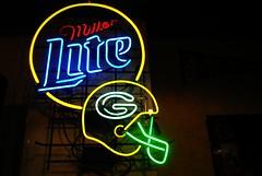 Green Bay (Cragin Spring) Tags: wisconsin wi midwest unitedstates usa unitedstatesofamerica neon neonsign beer beersign millerbeer millerlite greenbaypackers greenbay bier piwo helmet