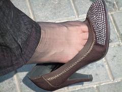 Candid feet from China (257) (Candid 100%) Tags: asian candid feet nylon pantyhose chinese china shoeplay dangling dipping toes soles foot shoes ballet flats high heels pumps sandals külotlu çorap ayak füsse strumpfhose калготкі чорапогащник pantis punčocháče strømpebukser sukkpüksid sukkahousut collants media calza καλσόν harisnyanadrág パンティーストッキング 팬티 스타킹 zeķbikses pėdkelnės جوراب شلواری rajstopy meiacalça ciorapi колготки унихоп pančucháče hlačne nogavice strumpbyxor קאָלגאָטקעס broekiekס