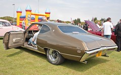 1969 Buick Skylark (Trigger's Retro Road Tests!) Tags: show classic 1969 car corner buick little may retro essex clacton plough skylark 2013