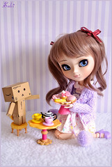 Tea time~* (Suki) Tags: cute cupcakes break purple tea sweet stripes blueeyes lilac groove pullip pullips cardigan junplanning twintails pullipddalgi