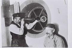 Vlieland - lichtwachters vuurtoren - jaren '20 (Dirk Bruin) Tags: vlieland vuurtoren torenwachter vuurtorenwachter lichtwachter aarjenvisser