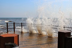 Afraid of water (Infomastern) Tags: sea abandoned water canon coast waves explore splash vantagepoint smygehuk vergiven sommarfoto utkiksplats sf130804