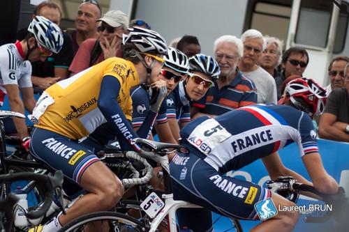 Alexis Gougeard discute avec l'équipe de France