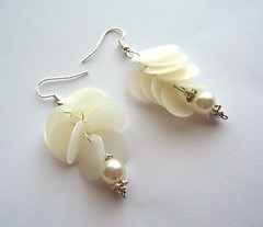 Pearl white earrings (d'ekoprojects) Tags: white recycled handmade jewelry pearls iridescent earrings chic recycling eco sustainable ecofriendly handmadejewelry handmadeearrings upcycled upcycling handcraftedjewelry recycledjewelry recycledjewellery ecofriendlyjewelry recycledearrings upcycledjewelry recycledplasticbottle upcycledearrings plasticbottlejewelry
