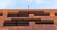 Defensive walls - Wirtschaftsuniversitt Wien, Vienna (Gerhard R.) Tags: vienna wien building architecture arquitectura architektur wu modernarchitecture modernearchitektur wirtschaftsuniversitt